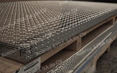venta-lamina-de-acero-antiderrapante-aceros-torices